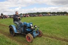 tractors-(73)-1351615391